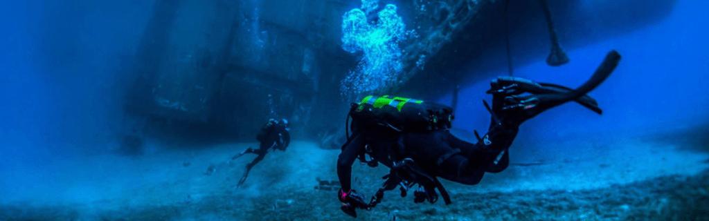 Zenobia diver, Crest Dive, underwater, wreck